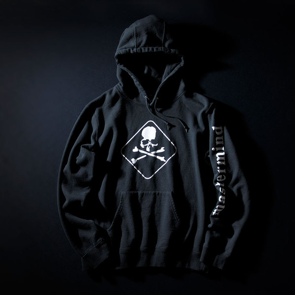 FCRB-170093-FCRB-x-MMJ-PULL-OVER-HOODY_BLACK_FRONT.jpg